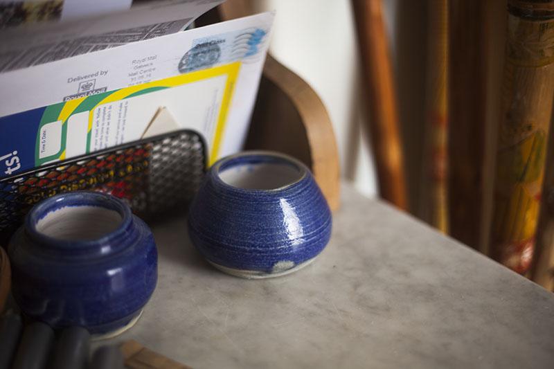 little-blue-pots-decorative-vases-cute