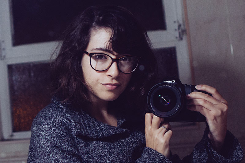 obligatory-bathroom-selfie-with-camera-elise-xavier